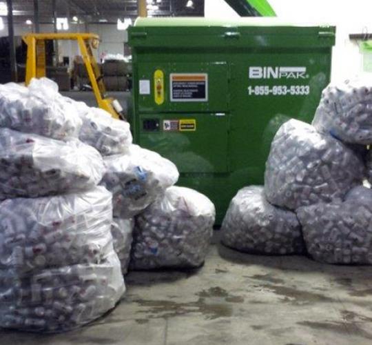 10,200 Aluminum cans